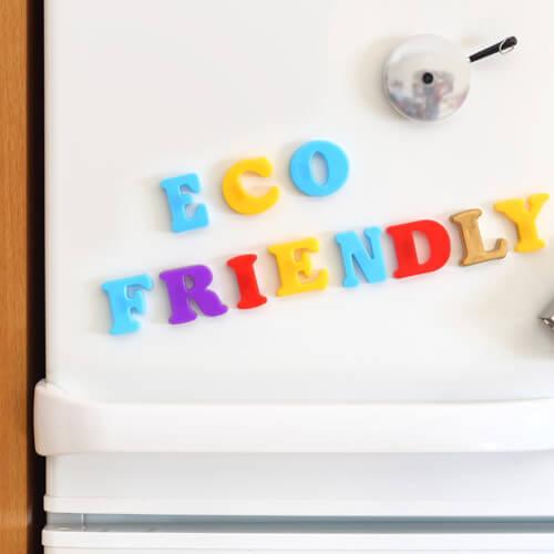 Imanes amigables para el medio ambiente en la nevera