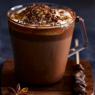 Chocolate caliente condimentado con whisky