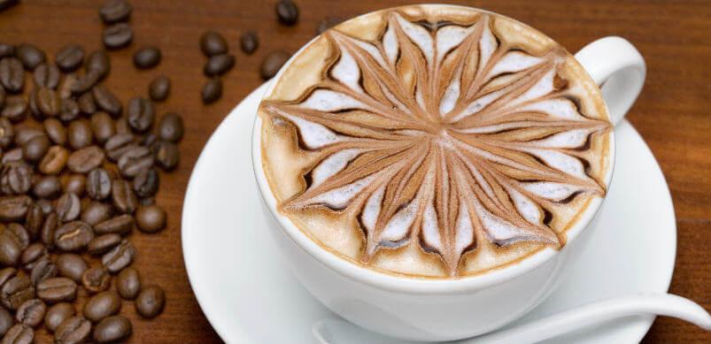 Café con espuma estampada